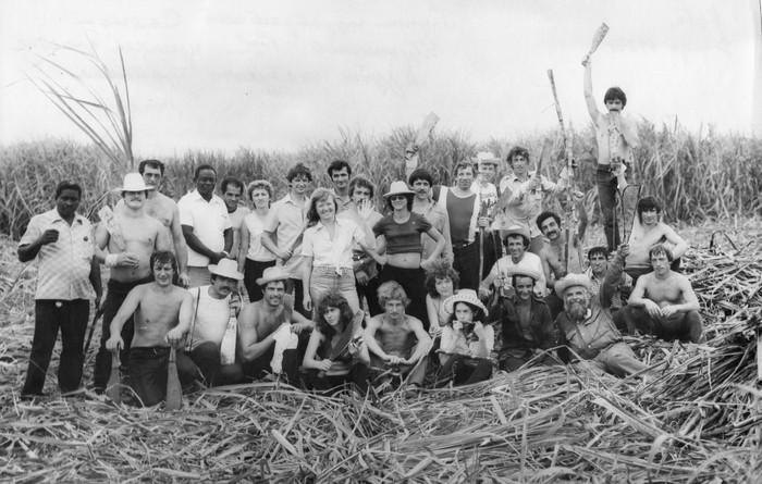 Группа гидростроителей Саяно-Шушенской ГЭС приняла участие в рубке сахарного тростника (декабрь, 1983 г.)